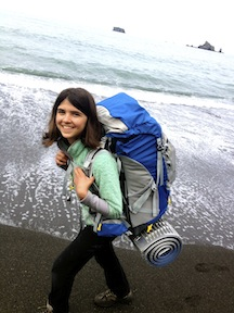 Alpengirl Camp backpacker on the beach